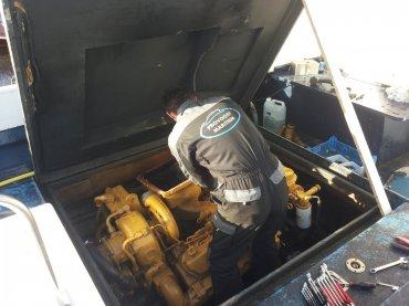 hdg-reparatie-inboardmotor-reparatie-binnenboordmotor-zeeland-vlissingen-middelburg.jpg - Provoost Maritiem - Waypoint voor service en onderhoud